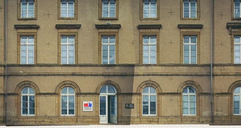 Photo façade avec les croix Elcovision