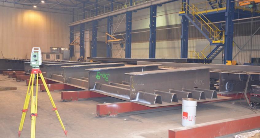 Montage de pont en atelier