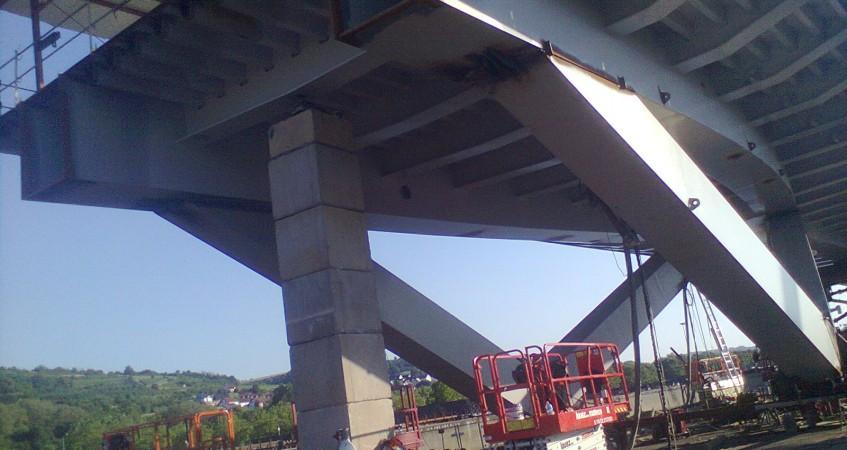 Montage de pont sur site